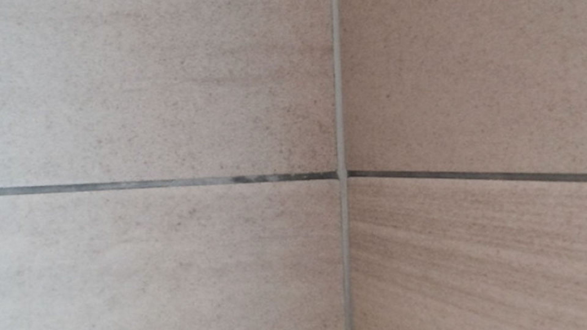 Efflorescence On Tile Grouts Weber Uk